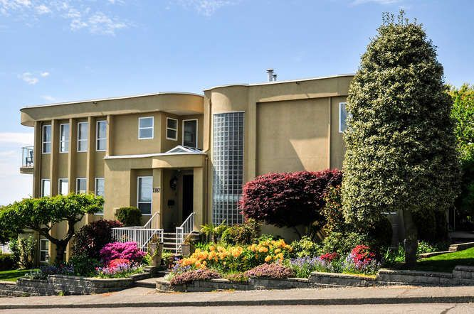 Main Photo: 1107 FIR Street: White Rock House for sale (South Surrey White Rock)  : MLS®# R2120181