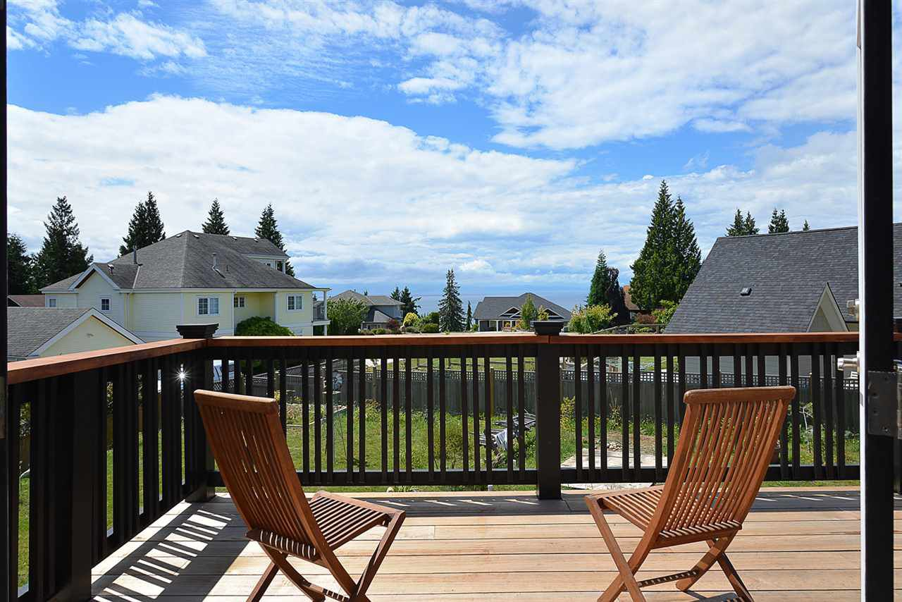 """Main Photo: 1473 VERNON Drive in Gibsons: Gibsons & Area House for sale in """"Bonniebrook Heights"""" (Sunshine Coast)  : MLS®# R2154221"""