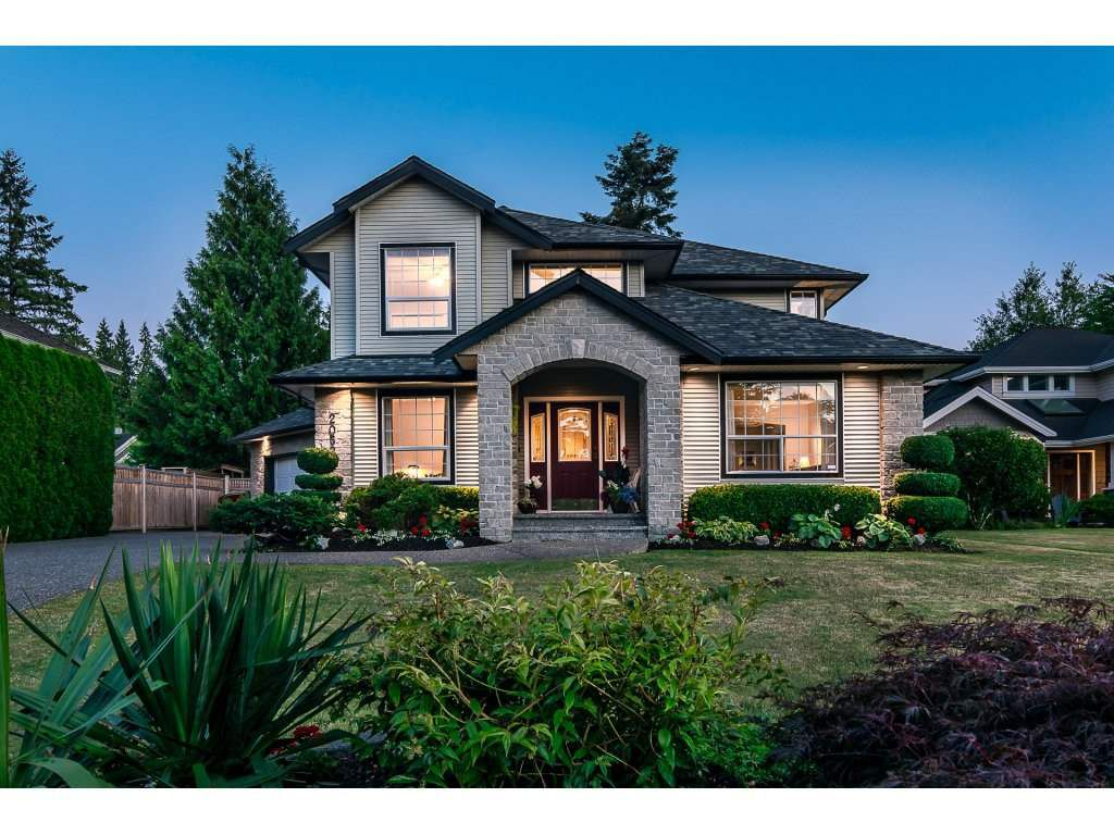 Main Photo: 20528 94 Avenue in Langley: Walnut Grove House for sale : MLS®# R2203403