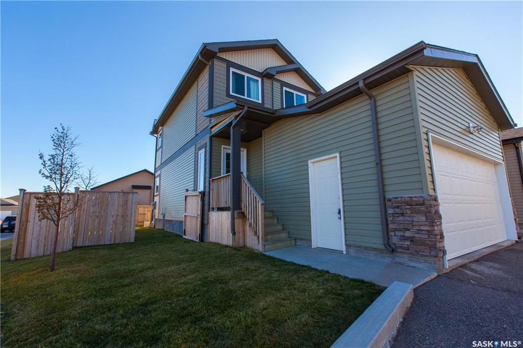 Main Photo: 23 207 McCallum Way in Saskatoon: Hampton Village Residential for sale : MLS®# SK709678