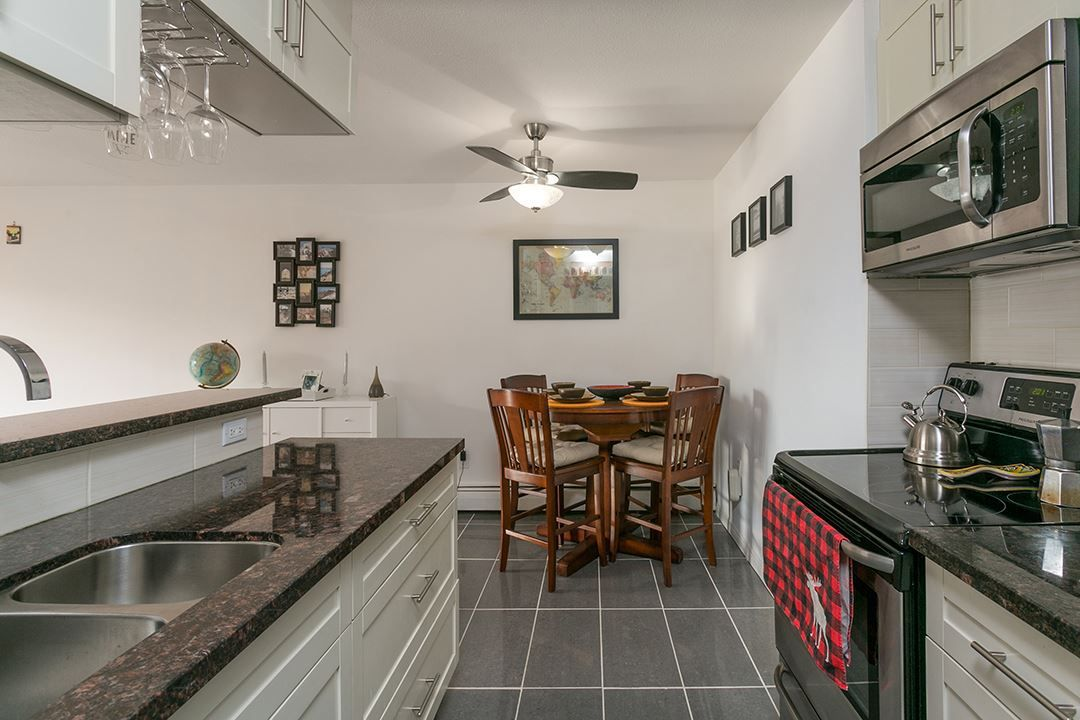 """Main Photo: 207 131 W 4TH Street in North Vancouver: Lower Lonsdale Condo for sale in """"NOTTINGHAM PLACE"""" : MLS®# R2221675"""