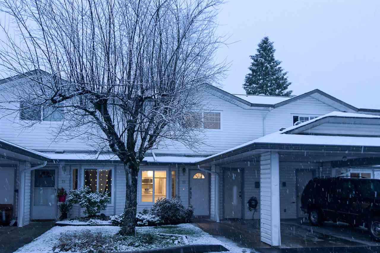 Main Photo: 22 11757 207 Street in Maple Ridge: Southwest Maple Ridge Townhouse for sale : MLS®# R2229017