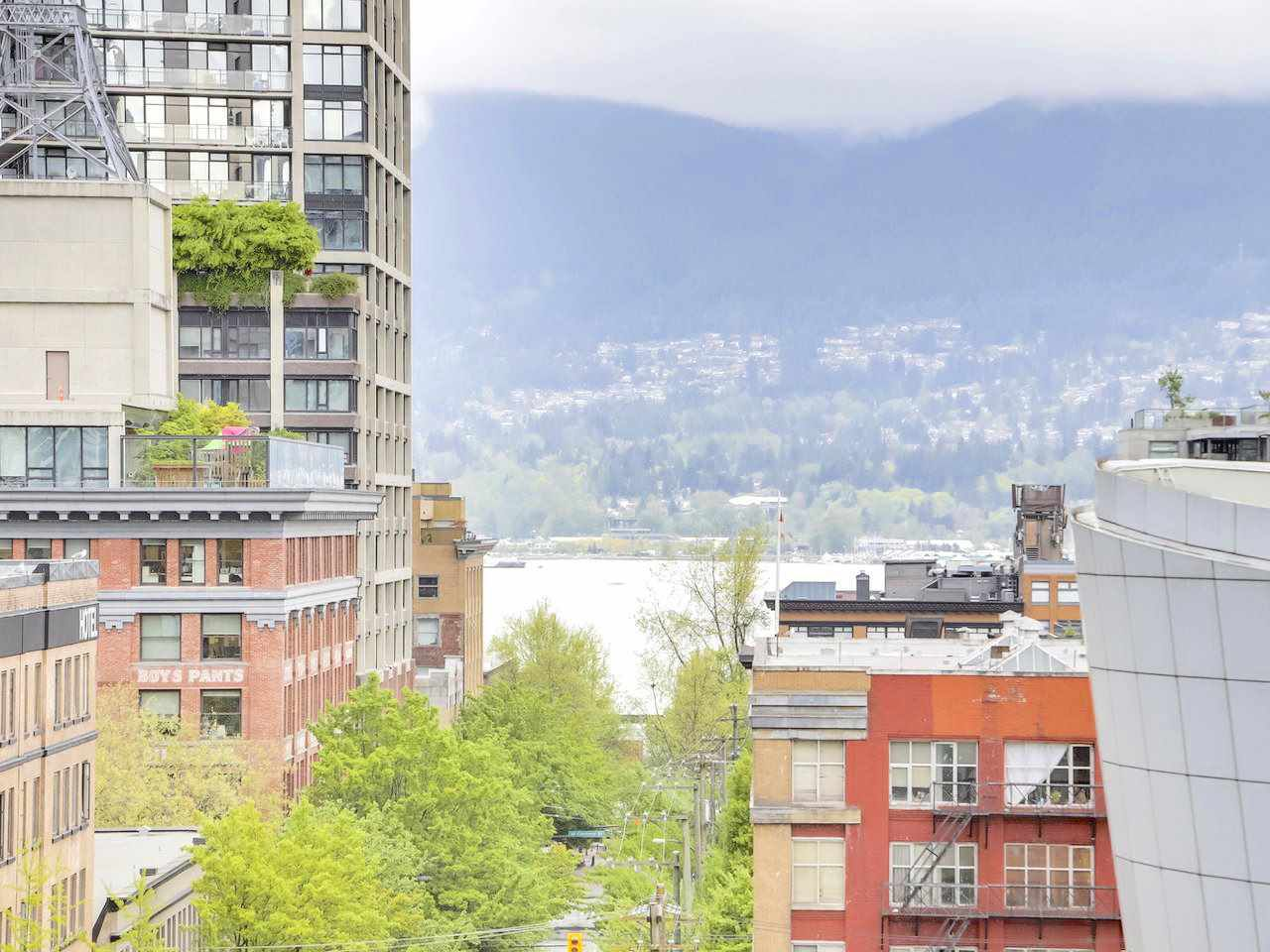 """Main Photo: 810 555 ABBOTT Street in Vancouver: Downtown VW Condo for sale in """"PARIS PLACE"""" (Vancouver West)  : MLS®# R2265422"""