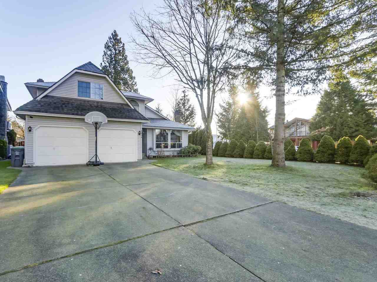 Main Photo: 9806 157 Street in Surrey: Guildford House for sale (North Surrey)  : MLS®# R2337998