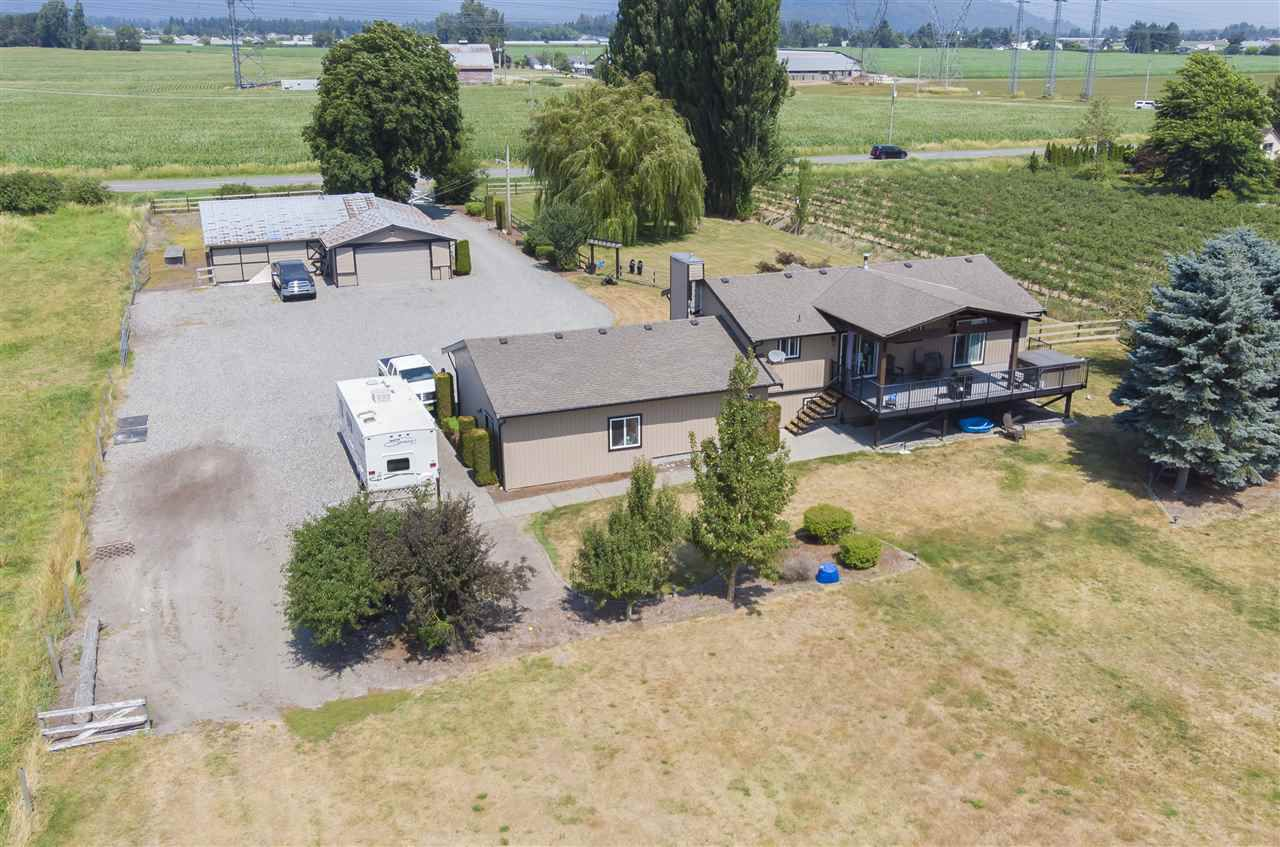 Main Photo: 41706 KEITH WILSON Road in Sardis - Greendale: Greendale Chilliwack House for sale (Sardis)  : MLS®# R2339627