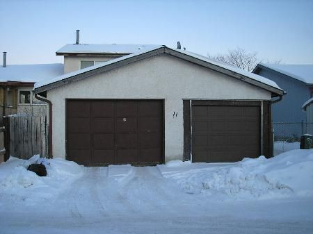 Photo 7: Photos: 11 Dzyndra Cres: Residential for sale (Missions Gardens)  : MLS®# 2700558