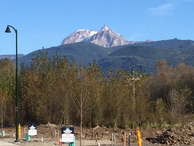 """Main Photo: 39164 CARDINAL Drive in Squamish: Downtown SQ House for sale in """"END OF RAVEN DRIVE"""" : MLS®# R2010310"""