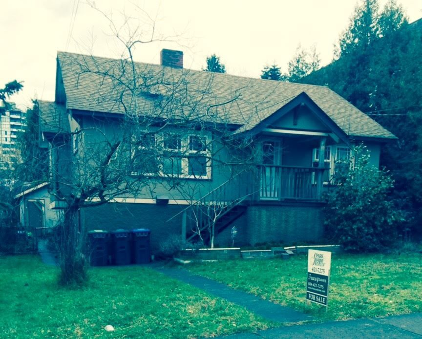 """Main Photo: 817 ST. ANDREWS Street in New Westminster: Uptown NW House for sale in """"BROW OF THE HILL"""" : MLS®# R2033039"""