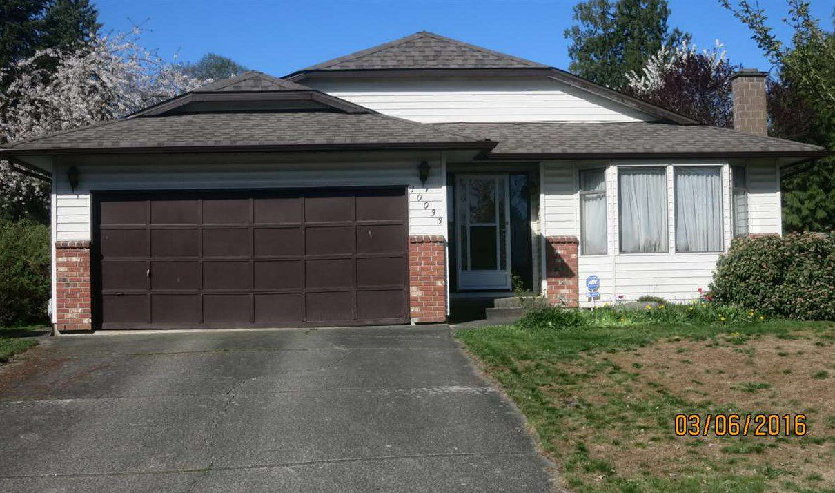 """Main Photo: 10033 158 Street in Surrey: Guildford House for sale in """"Somerset"""" (North Surrey)  : MLS®# R2057543"""