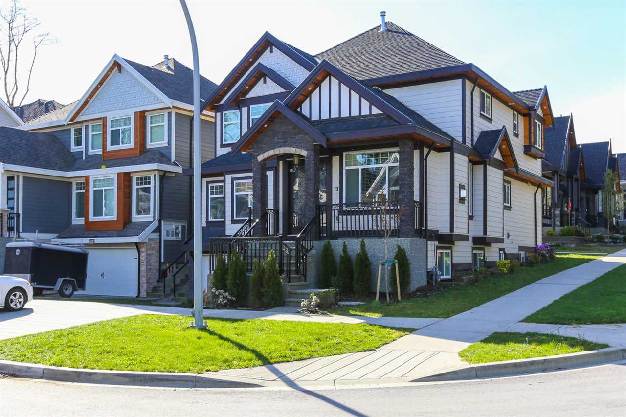 Main Photo: 13912 59A Avenue in Surrey: Sullivan Station House for sale : MLS®# R2079396