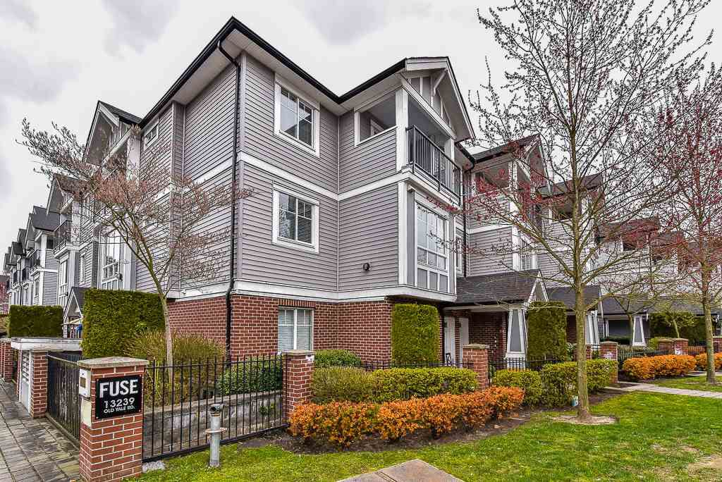 """Main Photo: 62 13239 OLD YALE Road in Surrey: Whalley Townhouse for sale in """"Fuse"""" (North Surrey)  : MLS®# R2152705"""