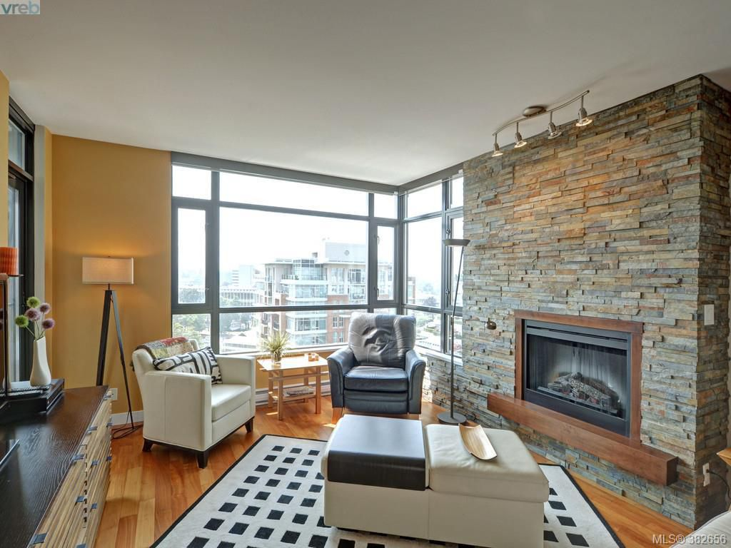 Main Photo: 1106 788 Humboldt Street in VICTORIA: Vi Downtown Condo Apartment for sale (Victoria)  : MLS®# 382656