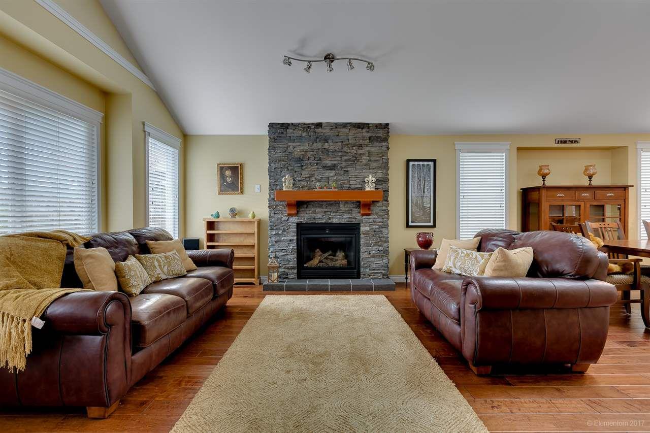 Main Photo: 20664 W RIVER Road in Maple Ridge: Southwest Maple Ridge House for sale : MLS®# R2209064