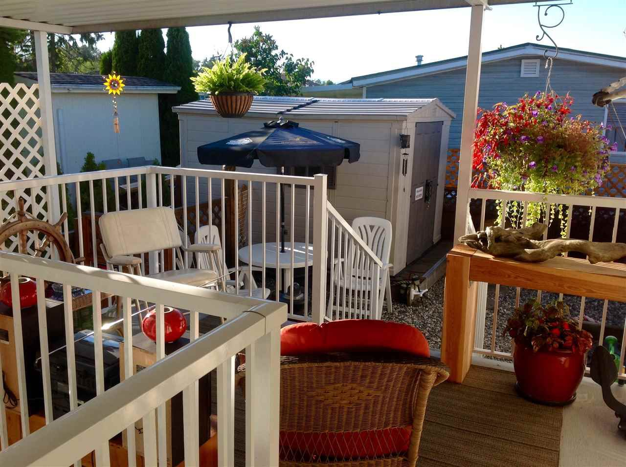 """Photo 4: Photos: 17 8254 134 Street in Surrey: Queen Mary Park Surrey Manufactured Home for sale in """"Westwood Estates"""" : MLS®# R2288604"""