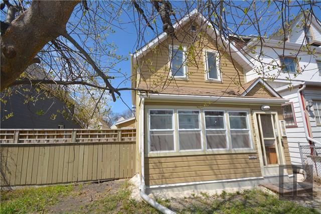 Main Photo: 444 Young Street in Winnipeg: Residential for sale (5A)  : MLS®# 1824921