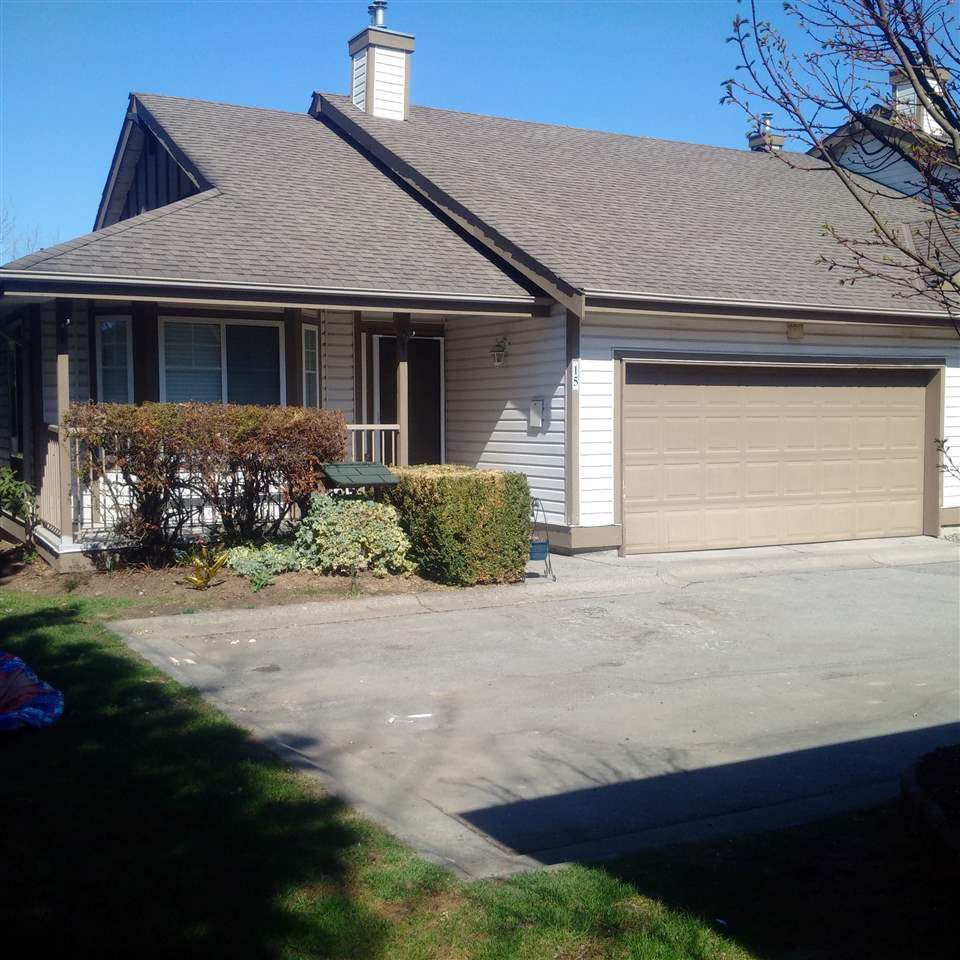 """Main Photo: 15 20222 96 Avenue in Langley: Walnut Grove Townhouse for sale in """"Windsor Gardens"""" : MLS®# R2354953"""