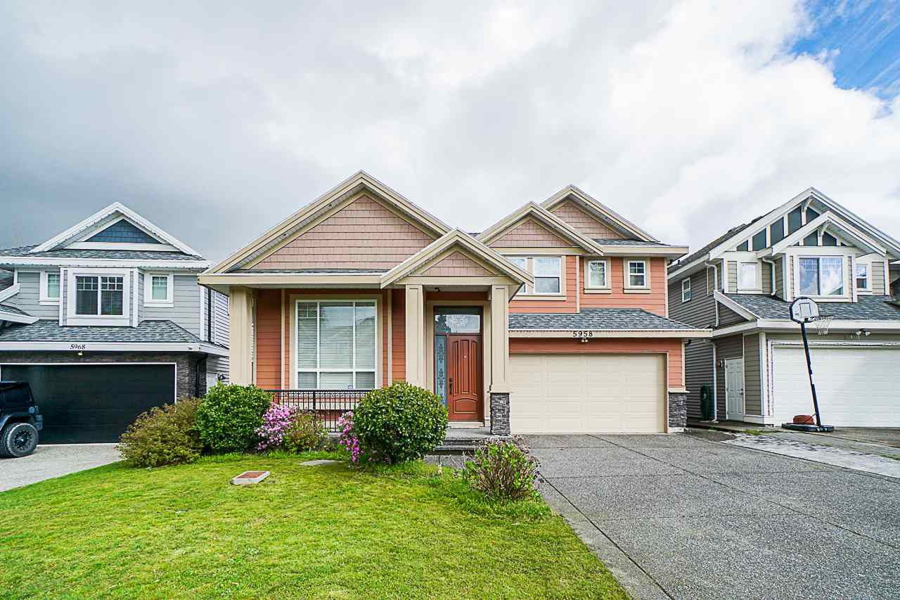 Main Photo: 5958 151 Street in Surrey: Sullivan Station House for sale : MLS®# R2358517
