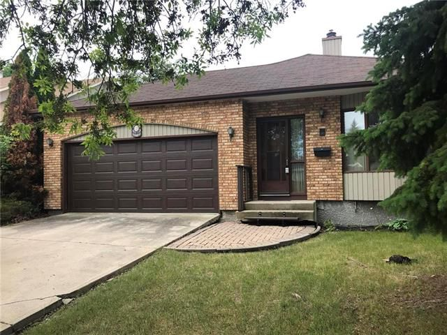 Main Photo: 6 Waterfront Road in Winnipeg: Island Lakes Residential for sale (2J)  : MLS®# 1916335