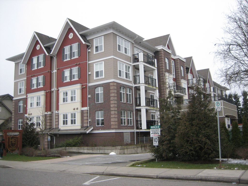 """Main Photo: 308 8933 EDWARD Street in Chilliwack: Chilliwack W Young-Well Condo for sale in """"KING EDWARD"""" : MLS®# H1100857"""