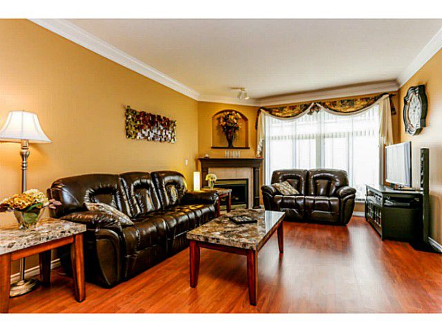 """Main Photo: 14 11358 COTTONWOOD Drive in Maple Ridge: Cottonwood MR Townhouse for sale in """"Carriage Lane"""" : MLS®# V1037299"""