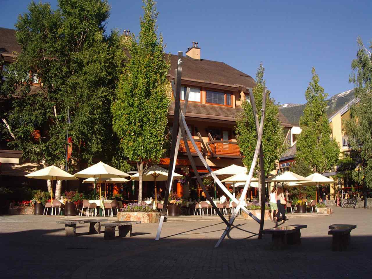 """Main Photo: 218 4220 GATE WAY Drive in Whistler: Whistler Village Condo for sale in """"BLACKCOMB LODGE"""" : MLS®# R2005633"""