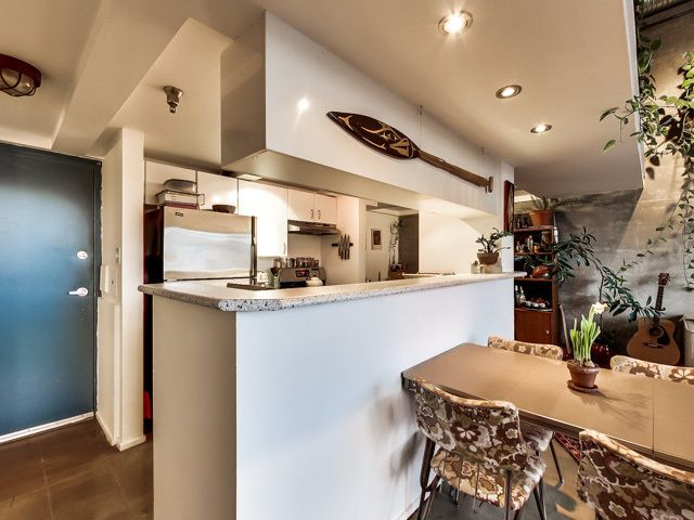 """Photo 6: Photos: 303 2001 WALL Street in Vancouver: Hastings Condo for sale in """"CANNERY ROW"""" (Vancouver East)  : MLS®# R2035448"""