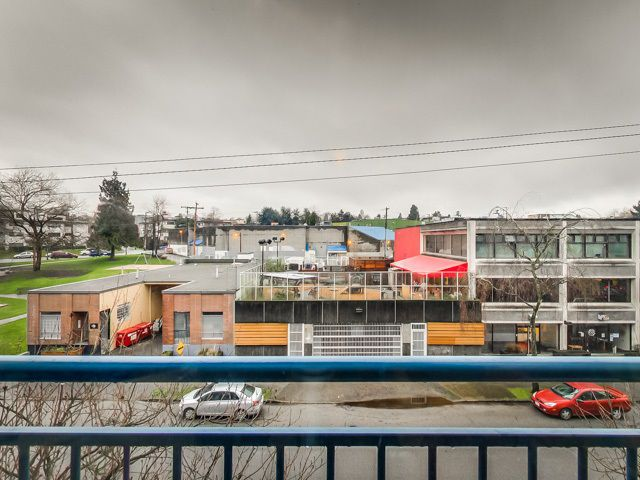 """Photo 17: Photos: 303 2001 WALL Street in Vancouver: Hastings Condo for sale in """"CANNERY ROW"""" (Vancouver East)  : MLS®# R2035448"""