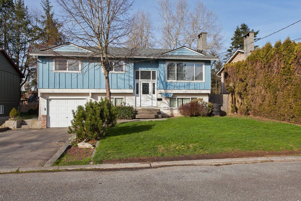 Welcome to 19767 - 54A Avenue, Langley, BC!