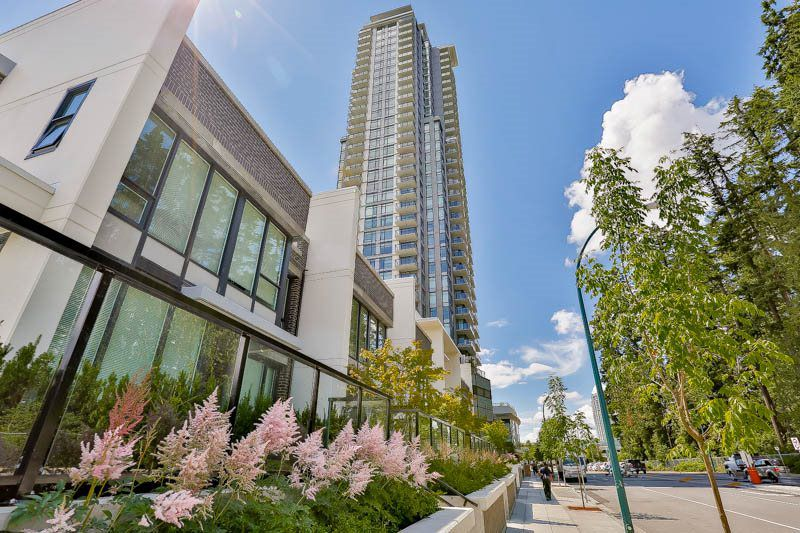 """Main Photo: 1801 3080 LINCOLN Avenue in Coquitlam: Central Coquitlam Condo for sale in """"1123 WESTWOOD"""" : MLS®# R2080119"""