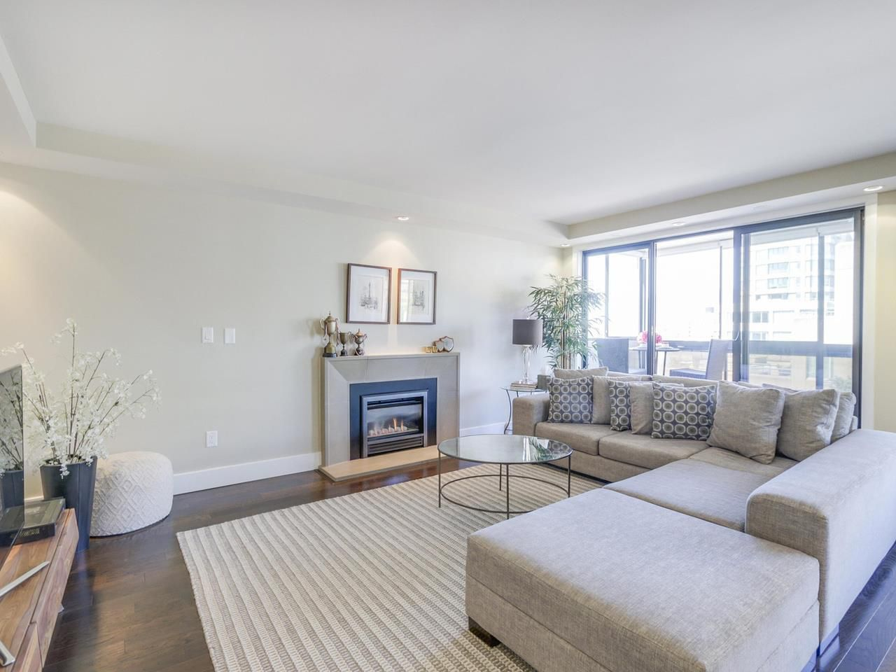 """Main Photo: 501 1337 W 10TH Avenue in Vancouver: Fairview VW Condo for sale in """"THE KIMBERLEY"""" (Vancouver West)  : MLS®# R2101906"""