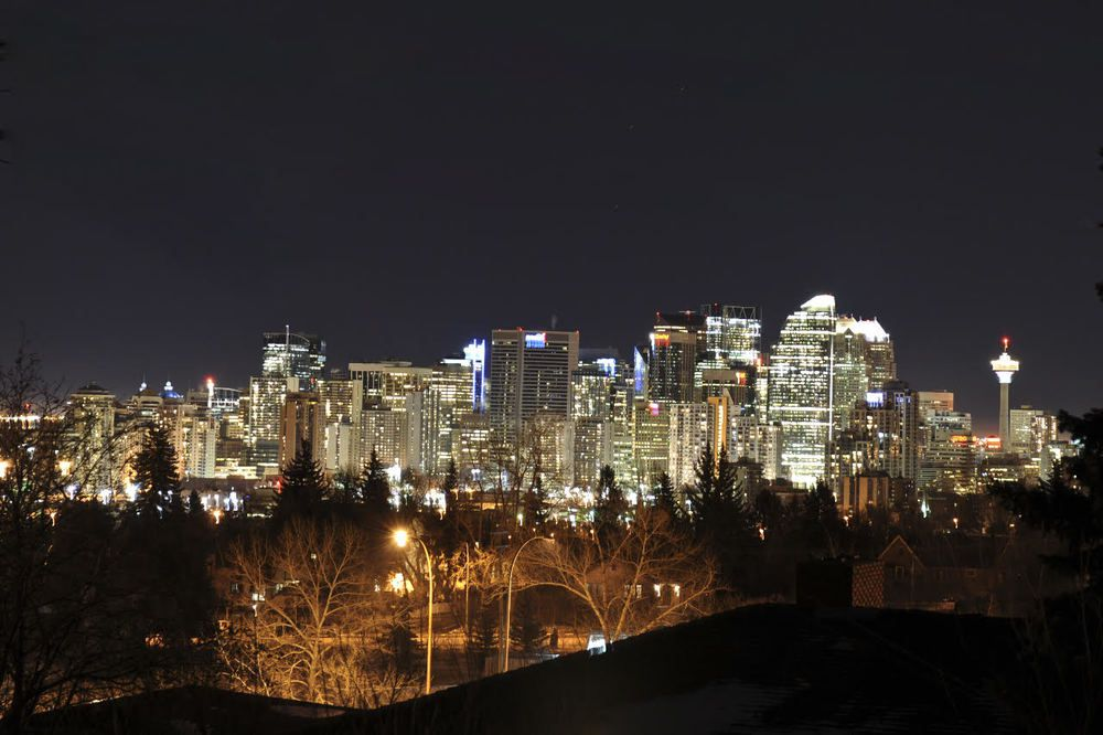 Main Photo: 1732 Suffolk Street SW in Calgary: House for sale : MLS®# C4022579