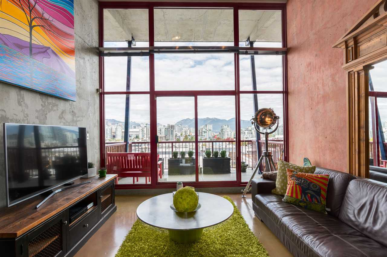 """Main Photo: 407 128 W 6TH Avenue in Vancouver: Mount Pleasant VW Condo for sale in """"6th Avenue West"""" (Vancouver West)  : MLS®# R2130092"""