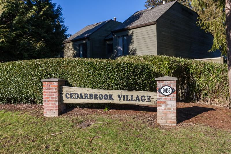 """Main Photo: 30 20155 50 Avenue in Langley: Langley City Townhouse for sale in """"Cedarbrook Village"""" : MLS®# R2135942"""