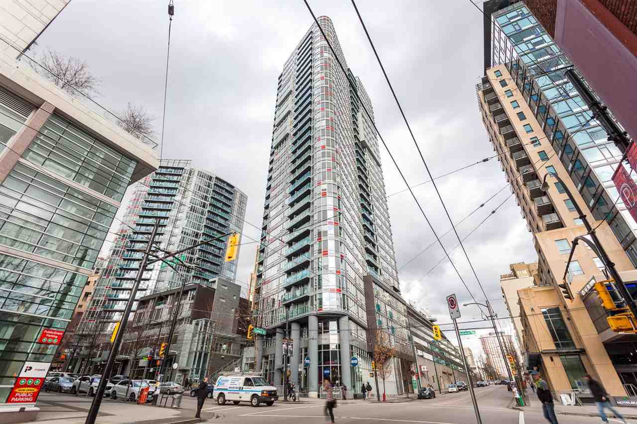 """Main Photo: 2207 233 ROBSON Street in Vancouver: Downtown VW Condo for sale in """"TV TOWER 2"""" (Vancouver West)  : MLS®# R2139702"""