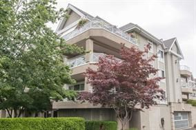 Main Photo: 302 5568 201A Street in Langley: Langley City Condo for sale : MLS®# R2140790