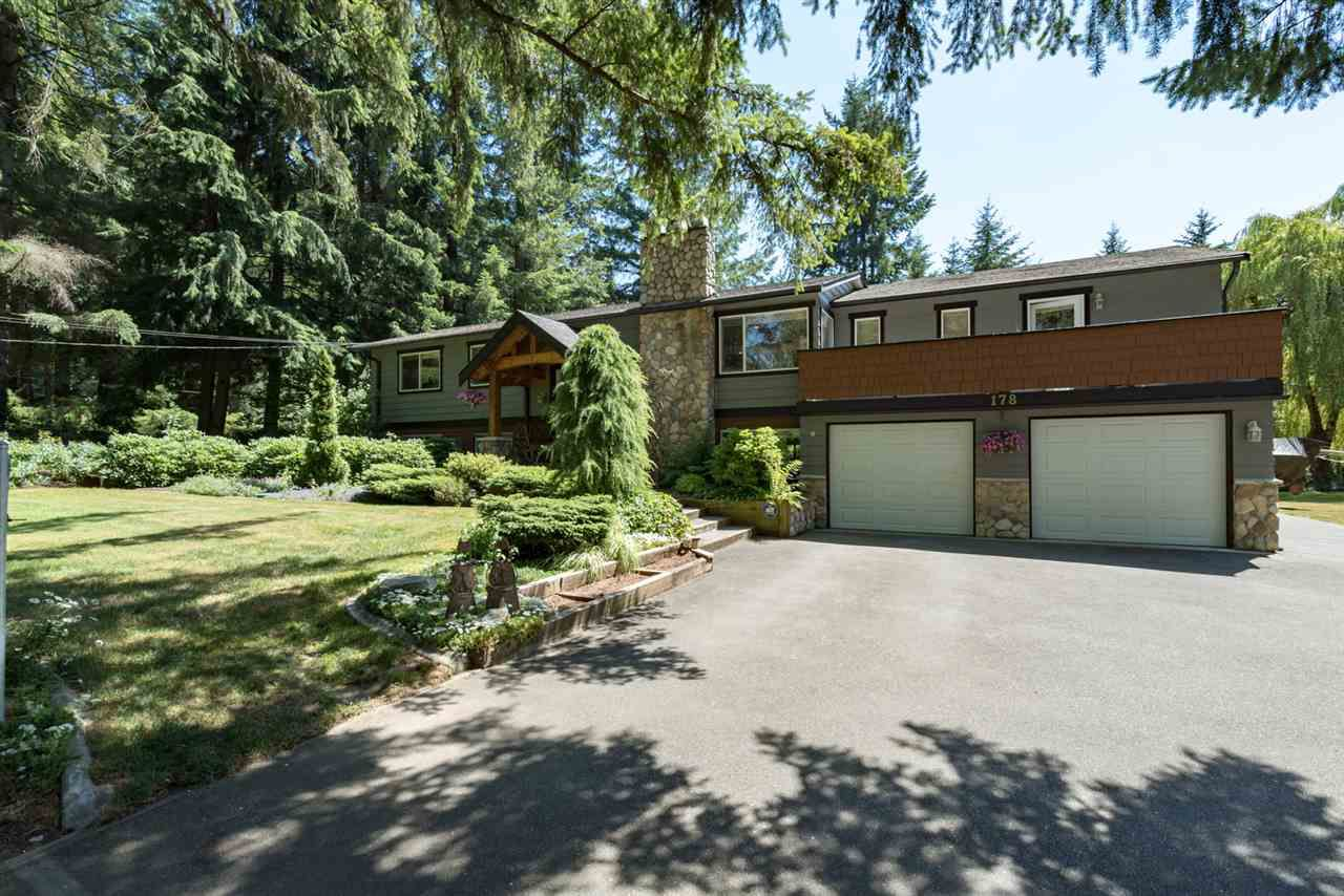 "Main Photo: 178 CLOVERMEADOW Crescent in Langley: Salmon River House for sale in ""Salmon River"" : MLS®# R2184985"