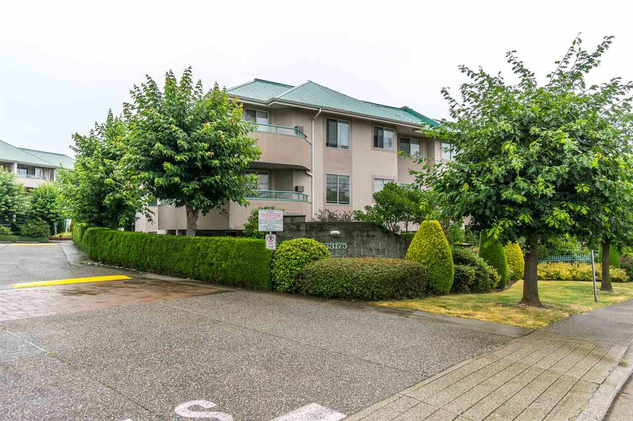 "Main Photo: 315 33175 OLD YALE Road in Abbotsford: Central Abbotsford Condo for sale in ""Sommerset Ridge"" : MLS®# R2207400"
