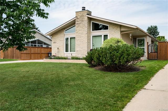 Main Photo: 127 Sunny Hills Road in Winnipeg: Sun Valley Park Residential for sale (3H)  : MLS®# 1816866