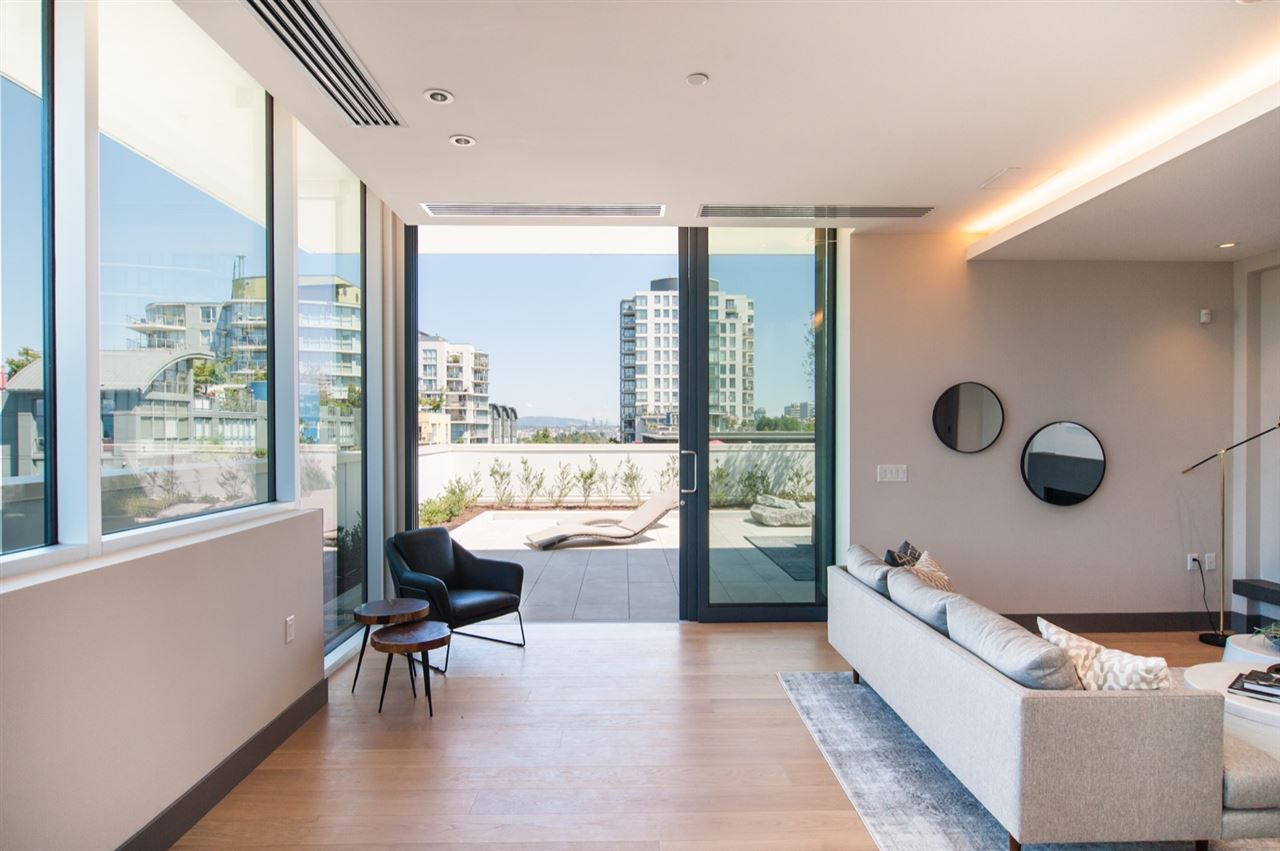 """Main Photo: PH 1510 W 6TH Avenue in Vancouver: Fairview VW Condo for sale in """"The Zonda"""" (Vancouver West)  : MLS®# R2318217"""