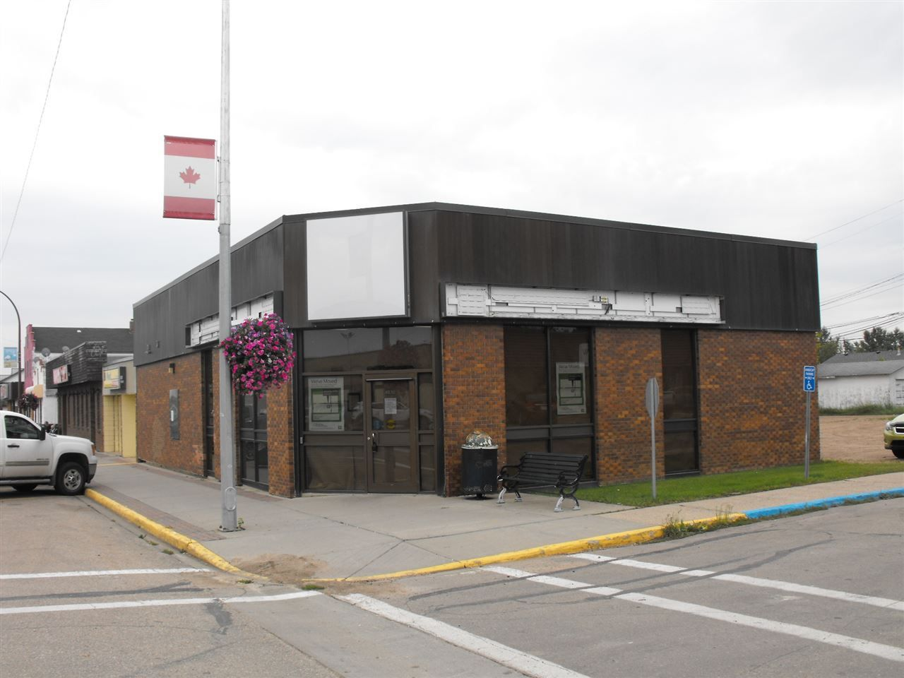 Main Photo: 4830 50 Street: Elk Point Retail for sale : MLS®# E4135236