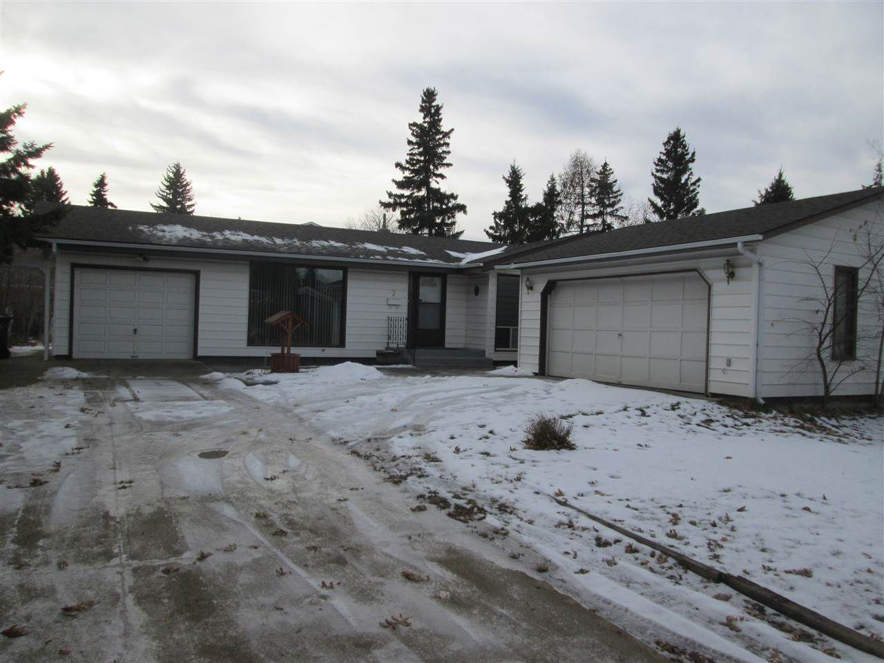Main Photo: 7 YEW Court: Sherwood Park House for sale : MLS®# E4136630