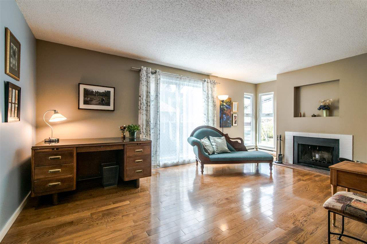 "Main Photo: 7401 ECHO Place in Vancouver: Champlain Heights Townhouse for sale in ""Park Lane"" (Vancouver East)  : MLS®# R2348803"