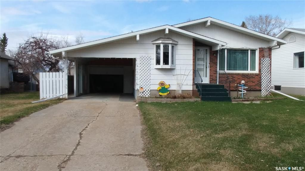 Main Photo: 1009 106th Avenue in Tisdale: Residential for sale : MLS®# SK770488