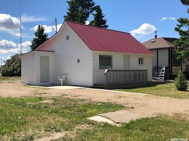 Main Photo: 311 Burrows Avenue West in Melfort: Residential for sale : MLS®# SK775848