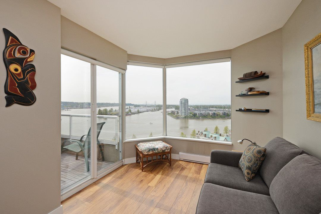 "Main Photo: 1705 1065 QUAYSIDE Drive in New Westminster: Quay Condo for sale in ""Quayside Tower 2"" : MLS®# R2386414"