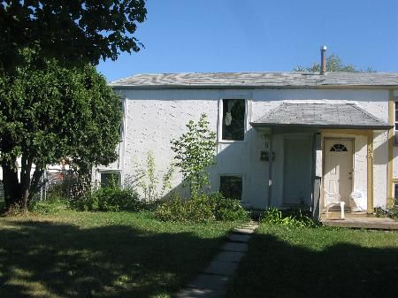 Main Photo: 51 Snowdon Avenue in Winnipeg: Residential for sale (Valley Gardens)  : MLS®# 1118230