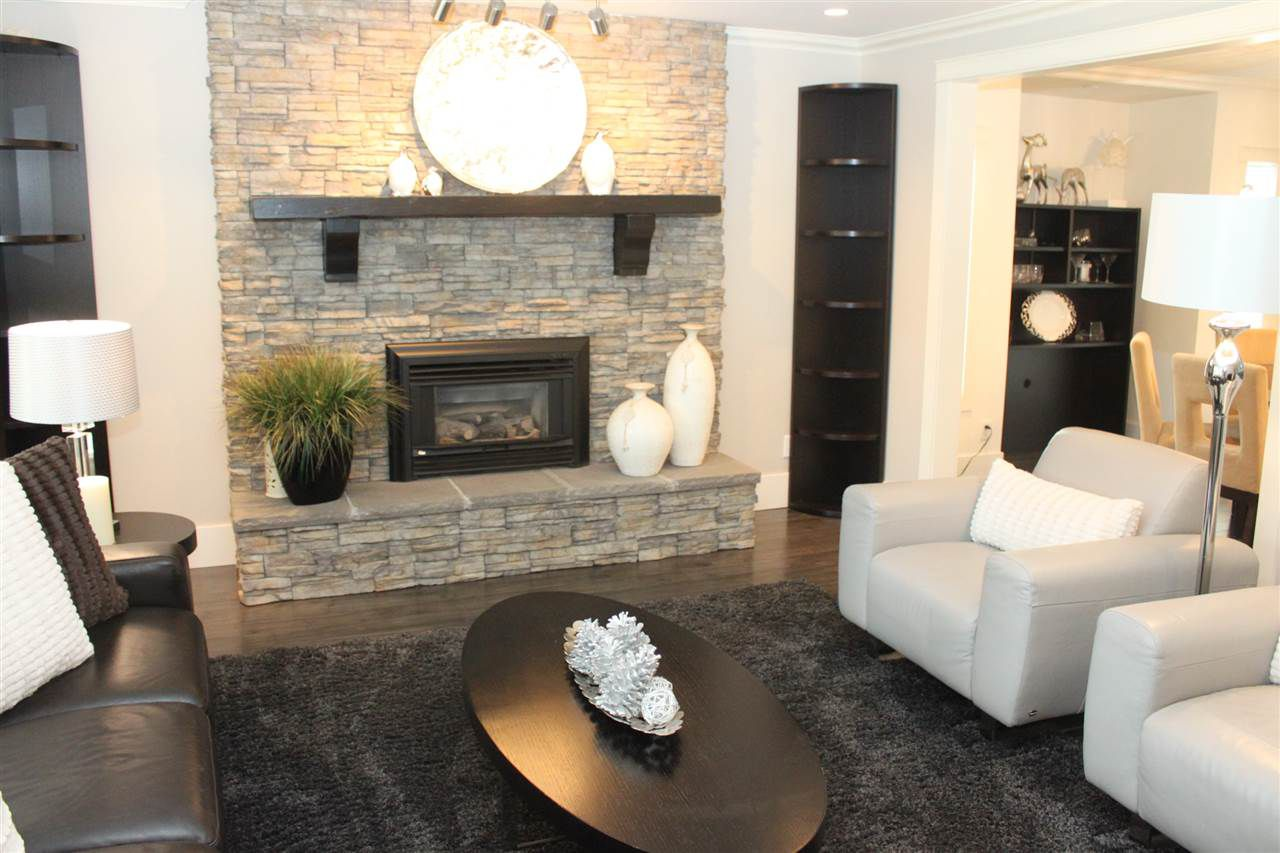 Main Photo: 52712 BUNKER Road in Rosedale: Rosedale Popkum House for sale : MLS®# R2048408