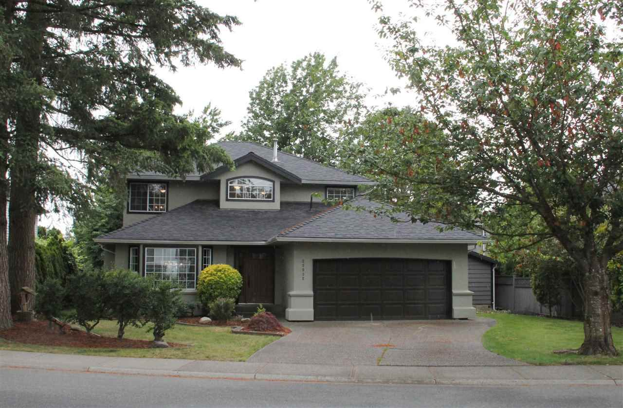 "Main Photo: 22032 OLD YALE Road in Langley: Murrayville House for sale in ""Murrayville"" : MLS®# R2078722"
