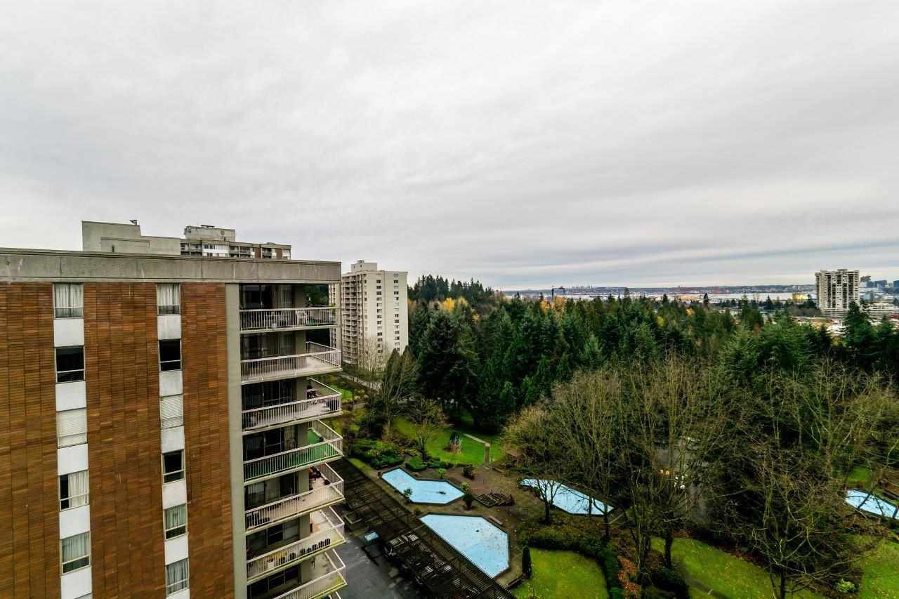 """Main Photo: 1305 2016 FULLERTON Avenue in North Vancouver: Pemberton NV Condo for sale in """"Woodcroft - Lillooet Building"""" : MLS®# R2122349"""