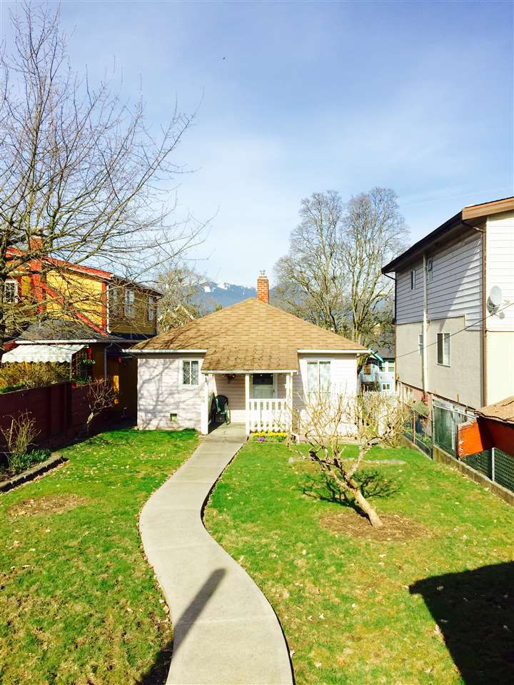 Main Photo: 2150 VENABLES Street in Vancouver: Grandview VE House for sale (Vancouver East)  : MLS®# R2258759